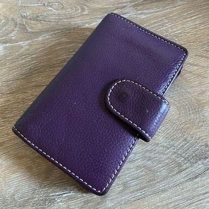 | FOSSIL | Genuine Leather Purple Wallet
